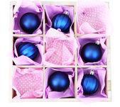 Bela embalados brinquedos de natal, isolados no branco — Foto Stock