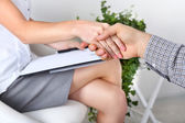 Handshake during counseling — Stock Photo