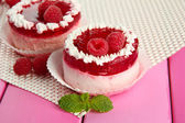 Delicious berry cakes on table close-up — Stock Photo