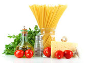 Pasta spaghetti with vegetables isolated on white — Stock Photo