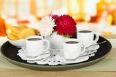 カフェ テーブル トレイ上のコーヒー カップ — ストック写真