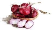 Beyaz izole kırmızı taze soğan — Stok fotoğraf