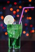 Chutný koktejl na světlé pozadí — Stock fotografie