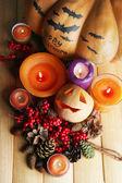 Samenstelling voor halloween met op houten tafel close-up — Stockfoto