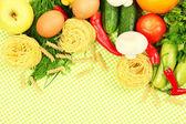 Concepto de cocina. abarrotes en fondo mantel — Foto de Stock