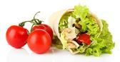 ケバブのグリルしたお肉や野菜、白で隔離されます。 — ストック写真