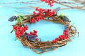 Wreath of dry branches with flowers and viburnum — 图库照片