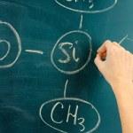 χημική δομή τύπος γραμμένο σε πίνακα με κιμωλία — Φωτογραφία Αρχείου