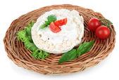 Chutné křehký chléb s zeleninou, izolované na bílém — Stock fotografie