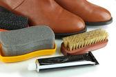Полировка обуви крупным планом — Стоковое фото