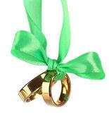 Anelli di nozze legati con nastro — Foto Stock