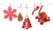 白で隔離されるクリスマスの装飾 — ストック写真