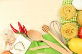 Concepto de cocina. comida en la mesa de madera — Foto de Stock