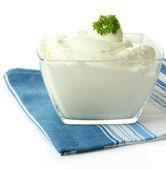 孤立在白色的碗酸奶 — 图库照片
