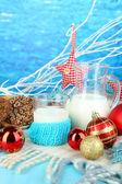 美丽的圣诞节组成与牛奶特写 — 图库照片