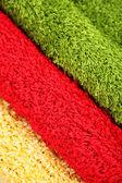 Farklı renklere yakın çekim birçok halı — Stok fotoğraf