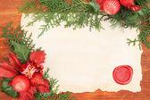 木製の背景上のヴィンテージ紙とクリスマス装飾フレーム — ストック写真