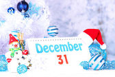 Calendar with New Year decorations on winter background — ストック写真
