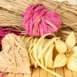 Decorative straw for hand made, flower and hearts of straw, on wooden background — ストック写真