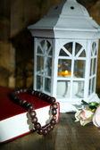 İslami lamba, kutsal nook ve tespih koyu arka plan üzerinde — Stok fotoğraf