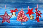Julpynt på trä bakgrund — Stockfoto