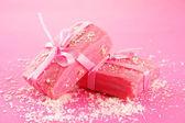Jabón natural hecho a mano, sobre fondo rosa — Foto de Stock