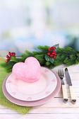 Aantal gebruiksvoorwerp voor kerstdiner, op tafel, op lichte achtergrond — Stockfoto