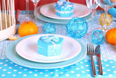 Table serving with colorful tableware close-up — ストック写真