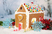 Beautiful gingerbread house with Christmas decor — Stock Photo