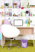 Arbetsplatsen med laptop, närbild — Stockfoto
