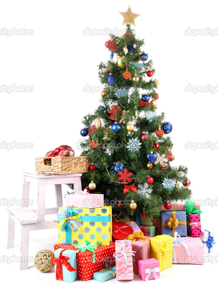 geschm ckten weihnachtsbaum mit geschenken die isoliert. Black Bedroom Furniture Sets. Home Design Ideas