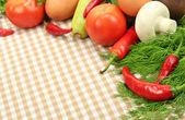 Pişirme bir kavram. masa örtüsü arka plan üzerinde sebze — Stok fotoğraf