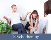 Casal jovem com problema na recepção para o psicólogo de família — Foto Stock