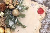 Telaio con decorazioni d'epoca di carta e natale su fondo in legno — Foto Stock