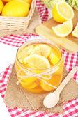 Compota de limão saboroso close-up tabela — Foto Stock