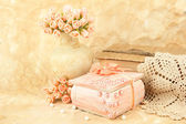 Beautiful still life with vintage casket and flowers — Stock Photo