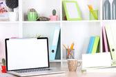 Pracy z laptopem, z bliska — Zdjęcie stockowe