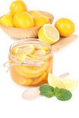 Lekkere citroen jam op tabel close-up — Stockfoto