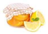 Confiture de citron savoureux isolé sur blanc — Photo
