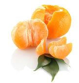 Tangerines mûrs isolés sur blanc — Photo