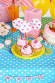 Festive pastry on table for birthday close-up — Stock Photo