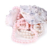 Shell with pearls, isolated on white — Stockfoto