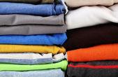 Renkli kıyafetler yakın çekim — Stok fotoğraf