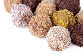 Conjunto de chocolate dulces aislados en blanco — Foto de Stock