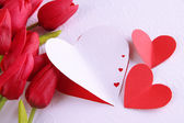 Paper hearts with flowers close up — Stockfoto