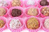 набор шоколадных конфет крупным планом — Стоковое фото