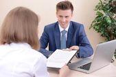 Solicitante de trabajo tener entrevista — Foto de Stock