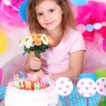 Pretty little girl celebrate her birthday — Stock Photo #42955945