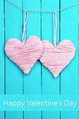 Coração decorativa em fundo de madeira — Fotografia Stock