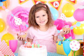 Pretty little girl celebrate her birthday — 图库照片